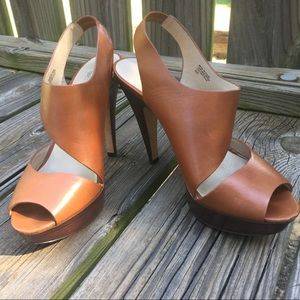 KORS Michael Kors Tan Leather Heels